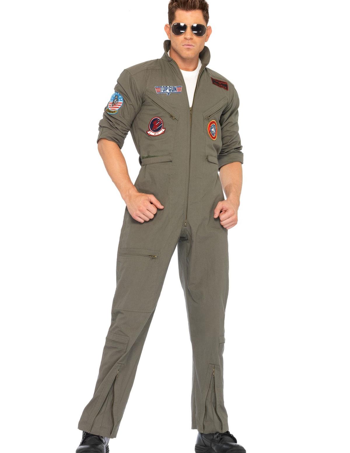 Old fashioned pilot costume 41