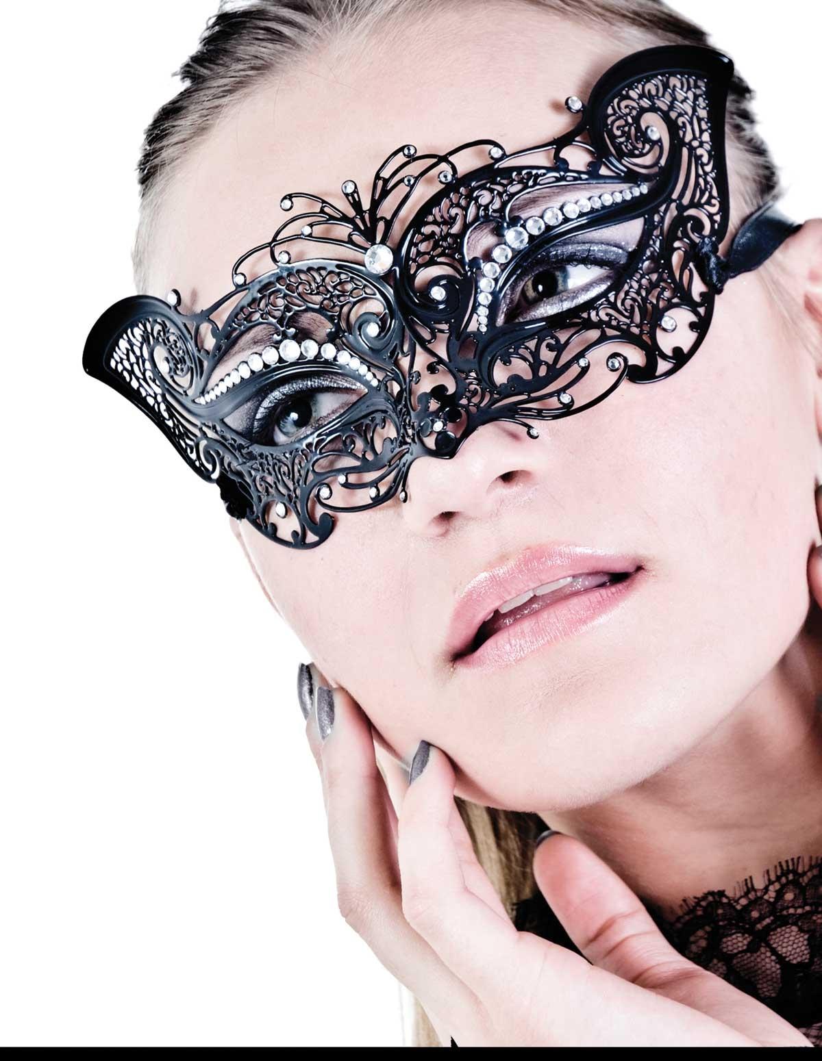 Luna Italian Mask
