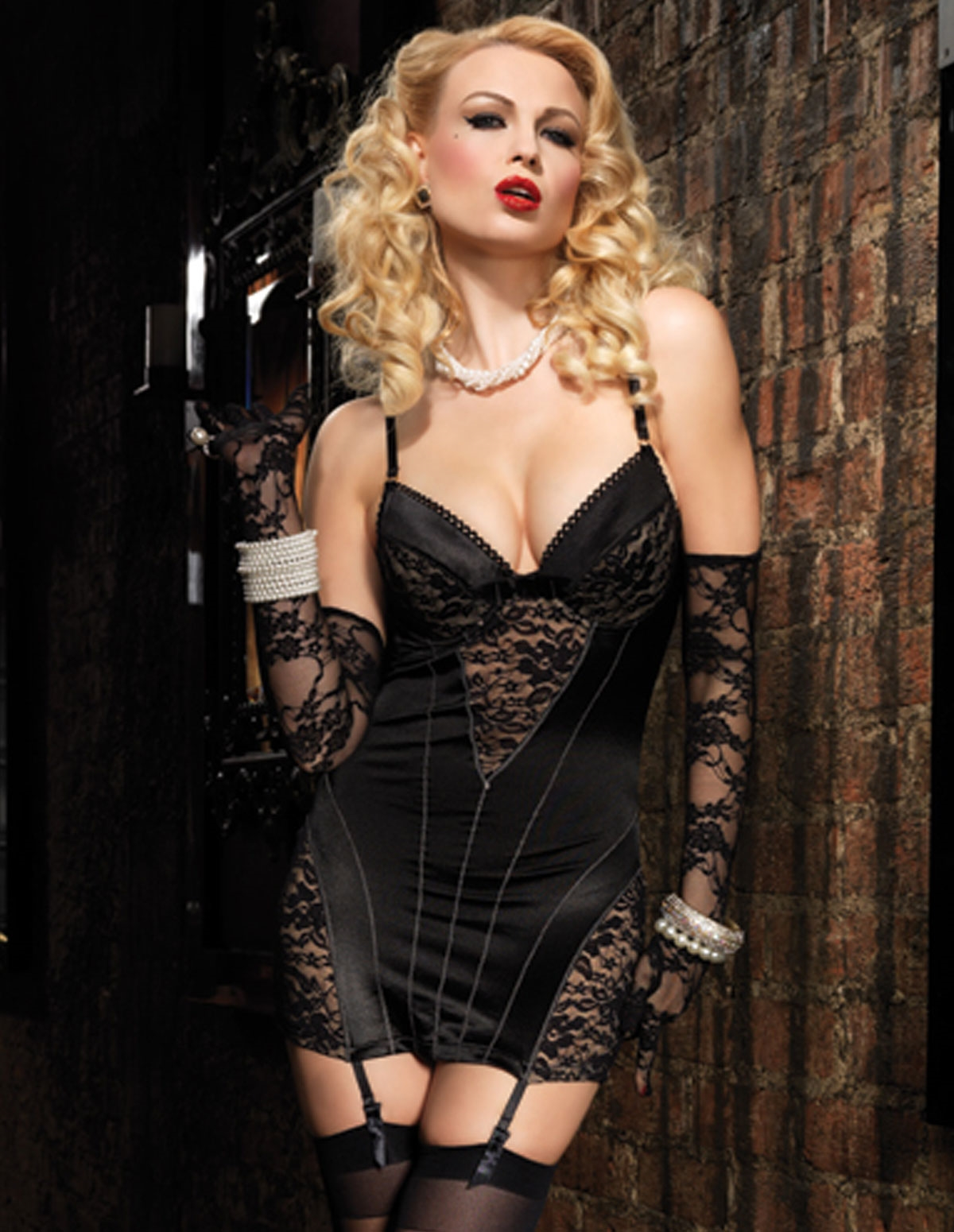 Lace Pin-Up Chemise
