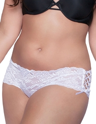 LACE CROTCHLESS SHORT - PLUS
